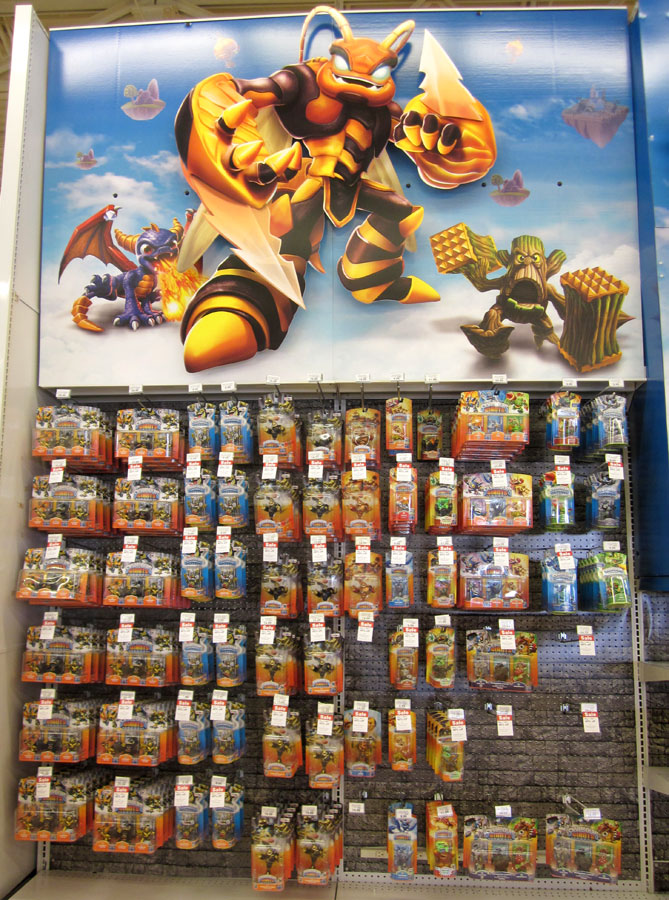 Skylanders SuperChargers Hunting @ TOYS R US: Day 1 Variants Adventure (Pt. 1) - Duration: 10 shopnew-l4xmtyae.tk: M.