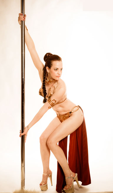 Slave Leia learns to pole dance
