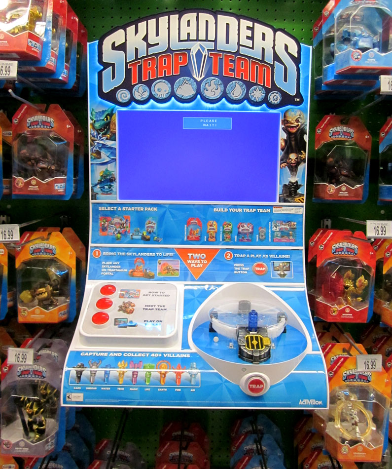 Broken Skylanders Trap Team kiosk at Toys R Us