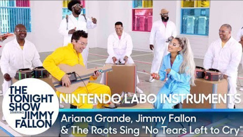 Ariana Grande with LABO band