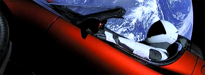 Elon Musk tests his rocket and launches a car into orbit