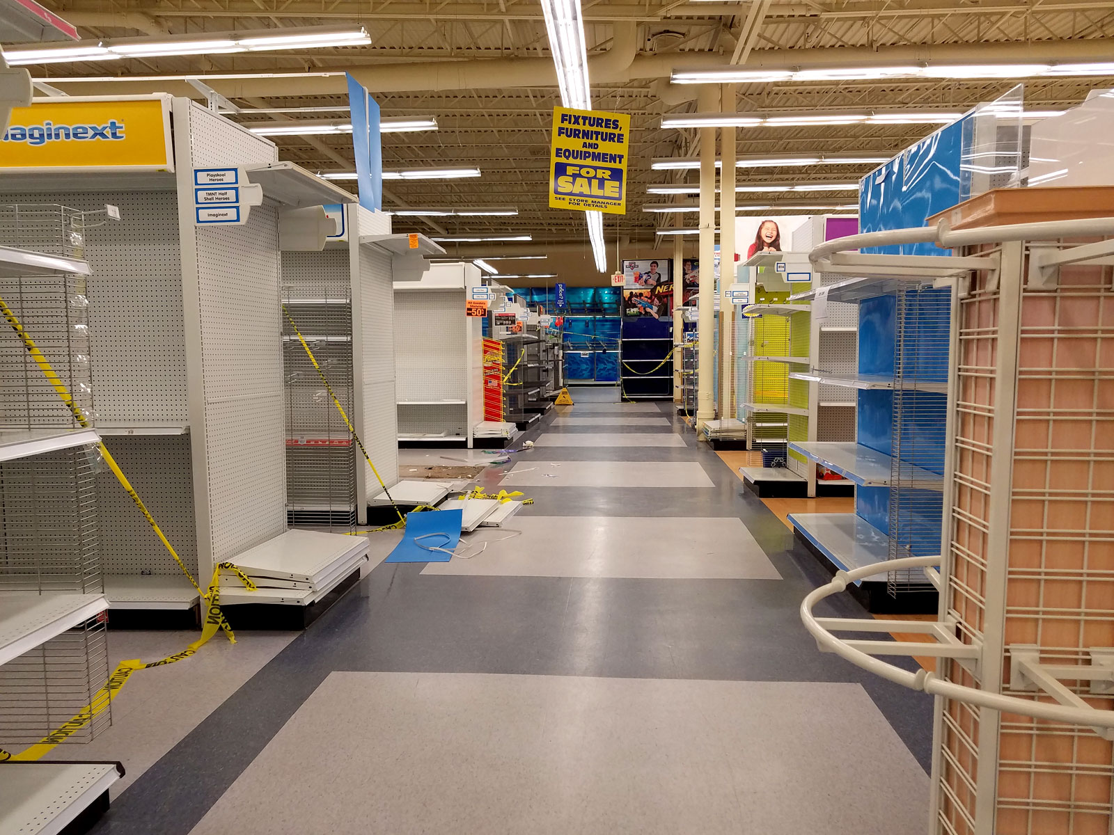 Toys R Us is looking very empty in the last week