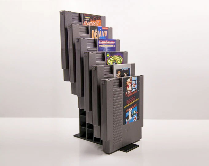 Retro Game Stands rovides tiers for displaying cartridges